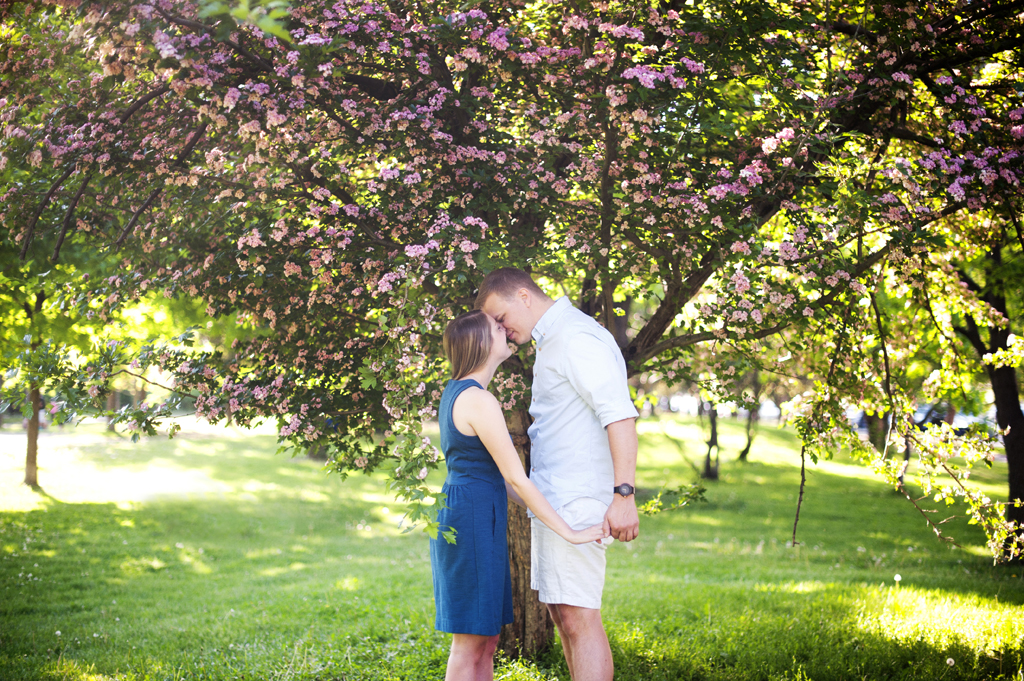 Minneapolis Engagement Photos 7