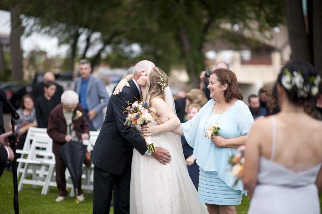 minnesota-boat-club-wedding-photographer-41