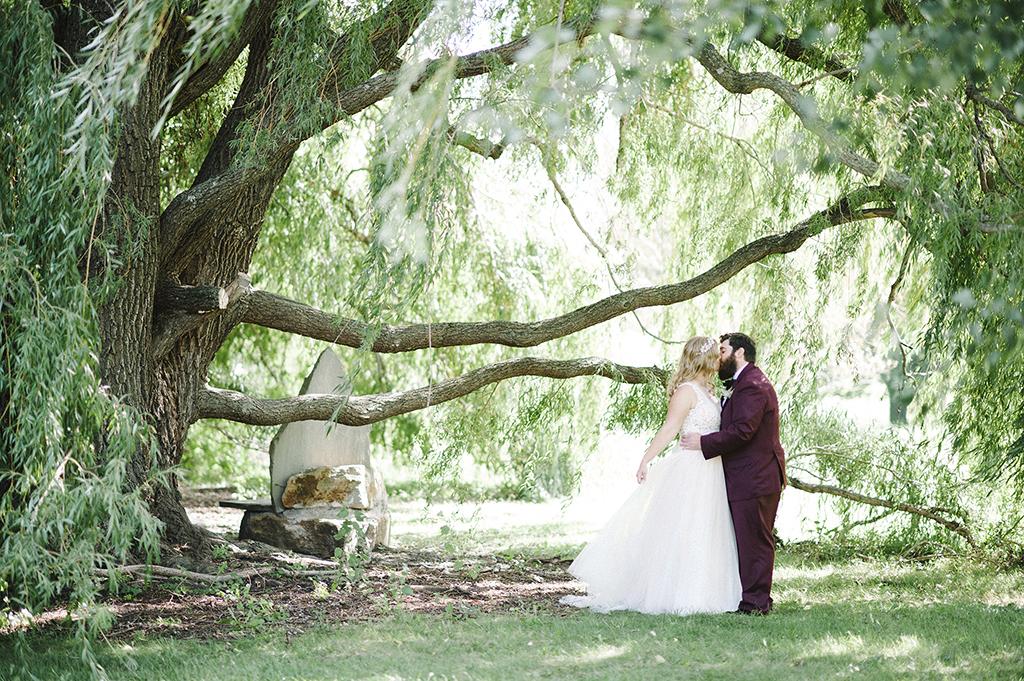 minnesota-landscape-arboretum-wedding-photographer-16