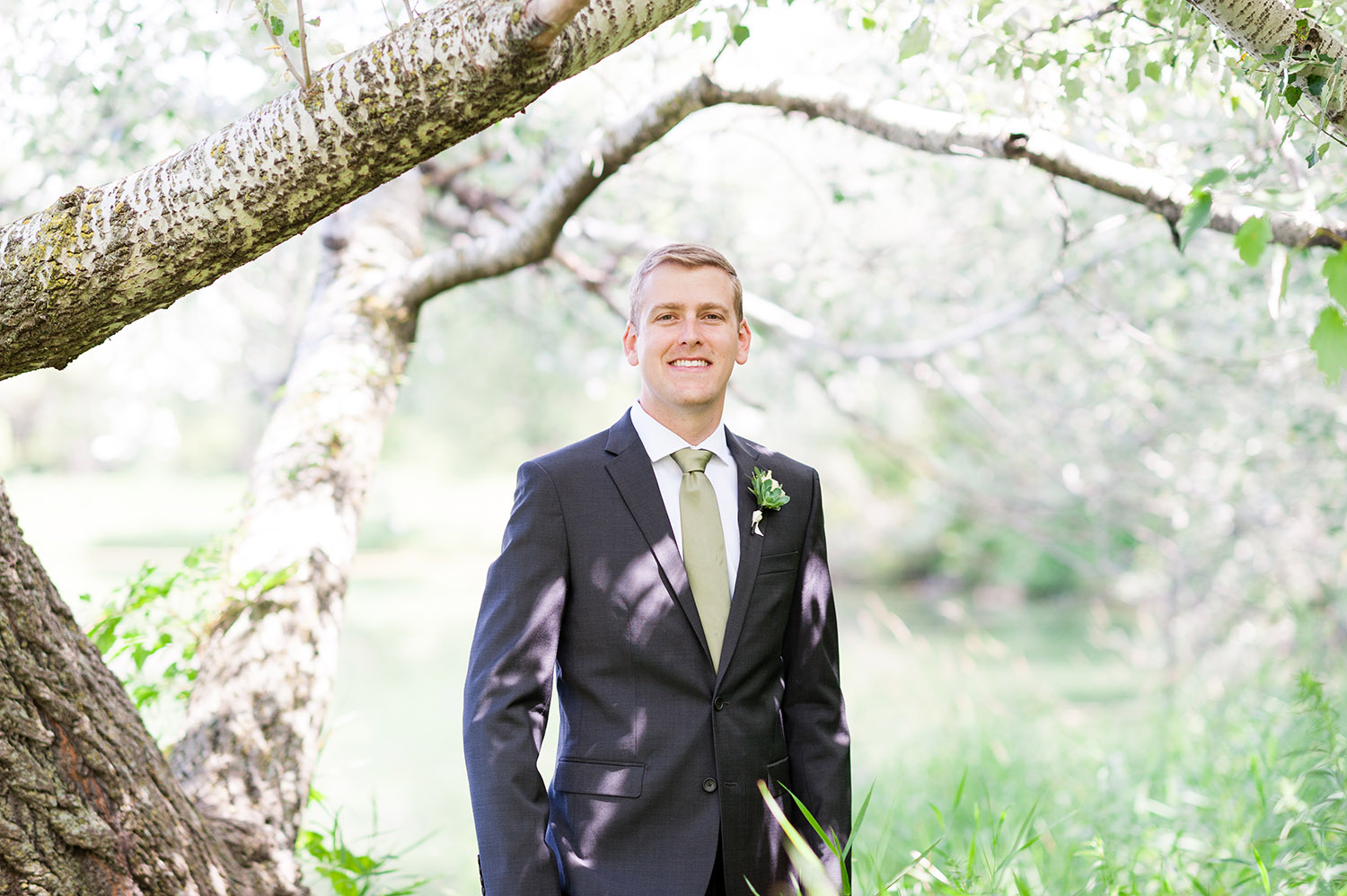 groom in nature